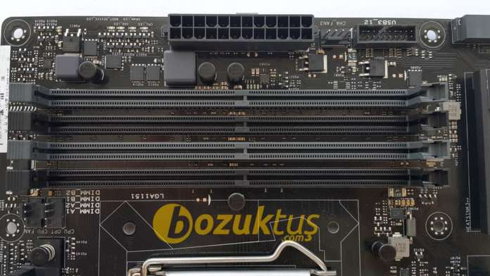 Asus Z170 Pro Gaming DDR4 bellek slotları