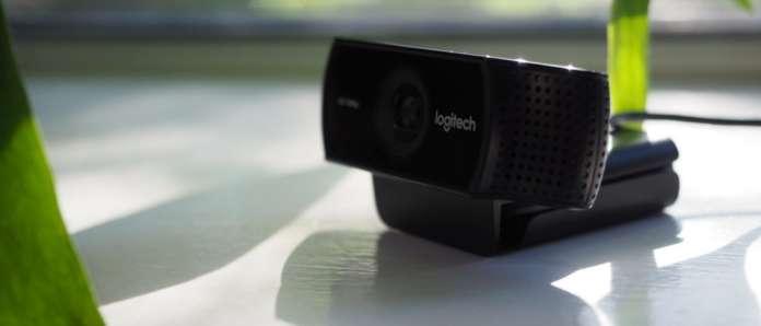 c922-pro-stream-webcam-2